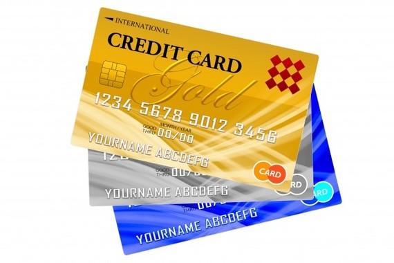 「初めて作ったクレジットカード」、なに?