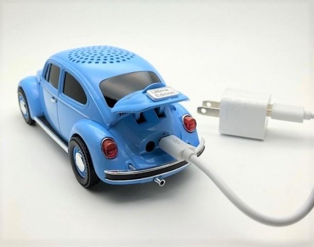 可愛いくてパワーもある!VWクラシックビートル形のスピーカー