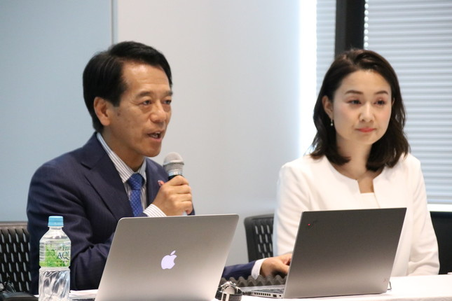 ブレス・ハザードプロジェクトの若林健史氏(左)と道廣香奈氏(右)。