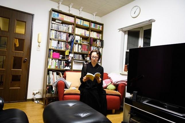 2005年、ドキュメンタリー映画「ディア・ピョンヤン」を発表。ベルリン国際映画祭アジア最優秀賞映画賞など、数々の賞を受賞
