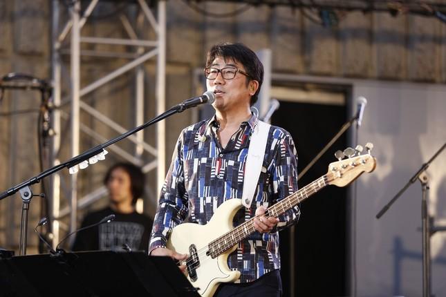 実行委員長の亀田誠治さんはベーシストとしてもプレイした