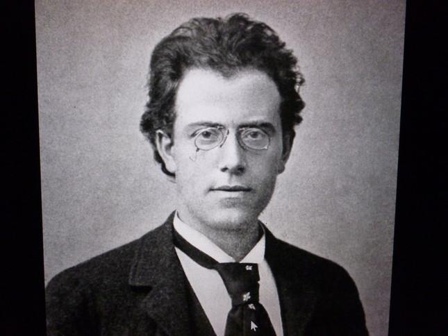 指揮者として大活躍していた「作曲家」マーラーの肖像
