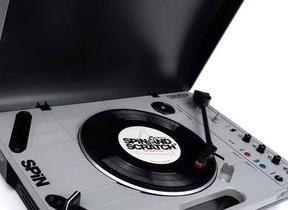 どこでもレコード再生やスクラッチプレイが楽しめるターンテーブル
