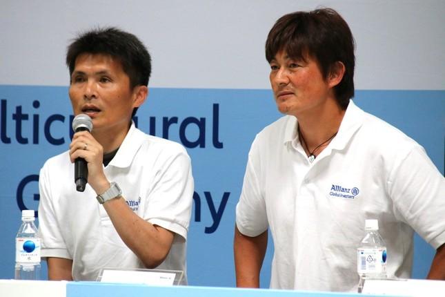 ゲスト審査員をつとめた名良橋晃氏(左)と岩本輝雄氏(右)