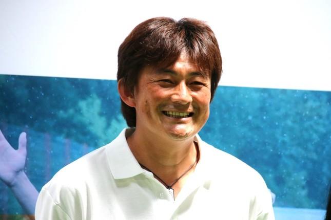 岩本輝雄氏
