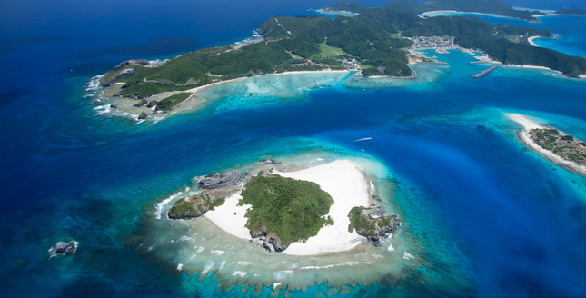 キャンプ体験が行われる沖縄・座間味島