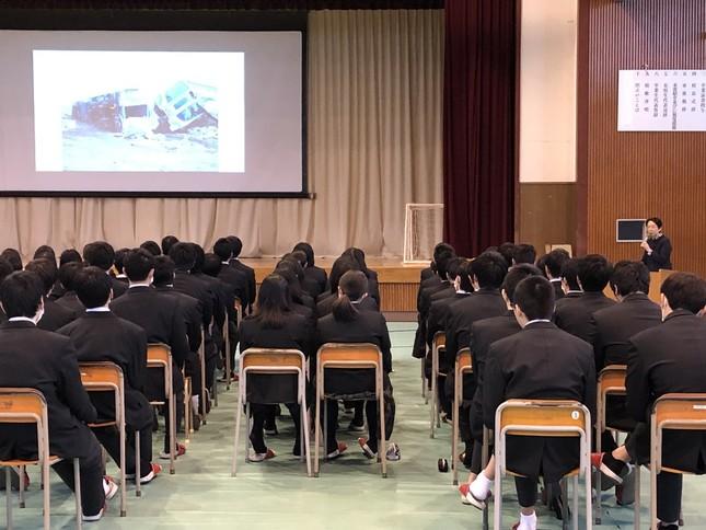 今年の3月11日、新地高の生徒は地元の「語り部」の話を聞いた