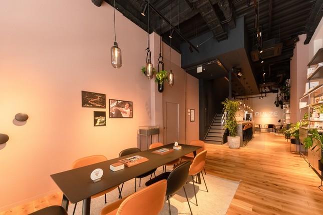 「PULZE 福岡」1階、Kitchen&Cafe Bar(俯瞰)