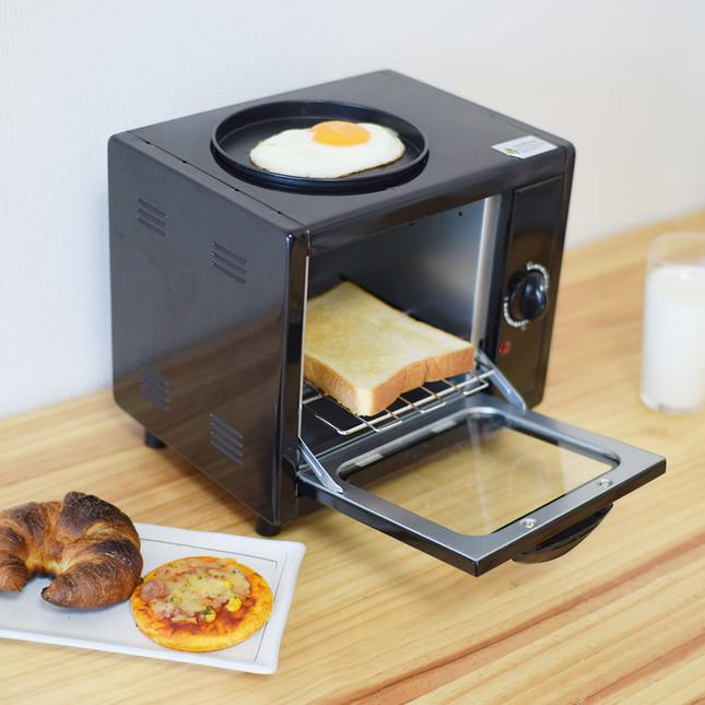 目玉焼きも焼ける、コンパクトな1人用トースター
