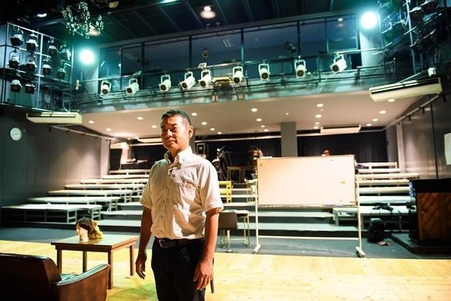 本業は、九州大谷短期大学表現学科教授。「戯曲論」「演劇論」「作家作品研究」などの科目を担当している(写真 菊地健志)