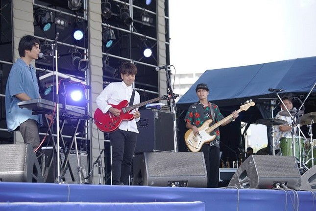 沖縄出身の若手バンド、HoRookies