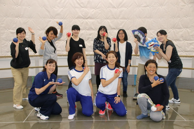 11人の参加者で盛り上がった「ボッチャ女子部」