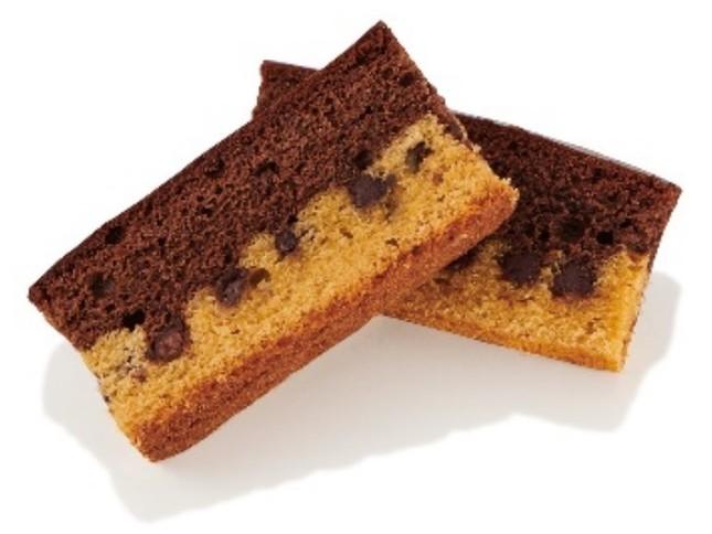 ケーキ仕立ての「カントリーマアムのバトン」