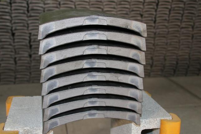 使用する「のし瓦」の重さは1枚2.3キロ