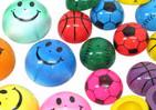 パチンッとジャンプ! 小学生が熱中「パッチンカップ」【覚えていますか?このおもちゃ(8)】