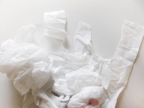 プラスチックごみを減らすためには…(写真はイメージです)
