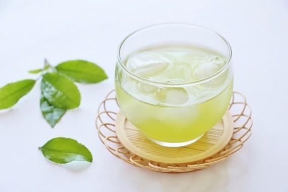 夏の水分補給に茶も効果的