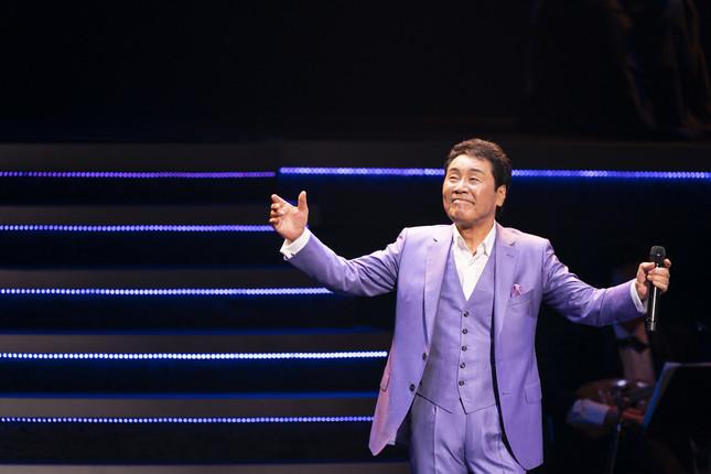 五木ひろしさんが紅白歌合戦で歌った曲を披露