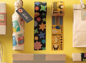 クラフト素材のポップなテープ 梱包用の箱や袋を手軽に装飾