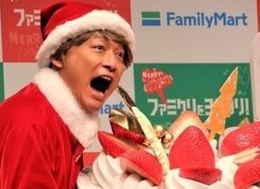 香取慎吾「大食い」健在 プロデュースしたケーキを2分でペロリ