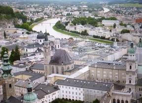 モーツァルトの故郷が通称に 「ザルツブルク・シンフォニー」はイタリア風味