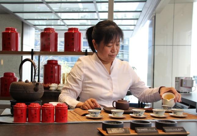 「王德傳 (ワンダーチュアン)」の茶師