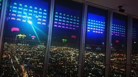 大阪に降りかかる「インベーダー」の脅威から街を守り抜けるか