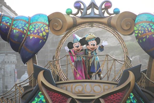 船上のミッキーとミニー(フェスティバル・オブ・ミスティーク)