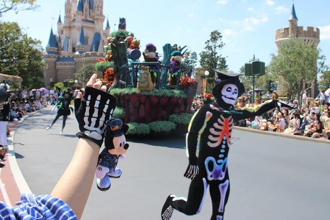 ゴーストダンスを仮装して踊るのも楽しい(スプーキーBoo!パレード)