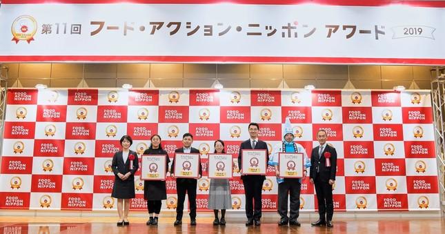 「特別賞」5産品の事業者たち