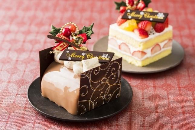王道ケーキと紅茶のブッシュドノエル
