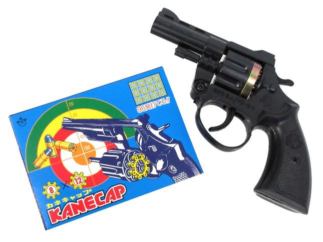 米銃器メーカー・コルト社の「パイソン357マグナム」がモチーフ