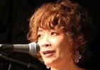 ヤマザキマリ「いい風呂の日」にボサノバ大熱唱 漫画家とり・みきらとライブ