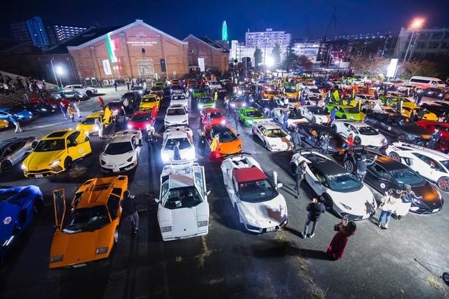 会場にはランボルギーニのクラシックカーなどが展示された