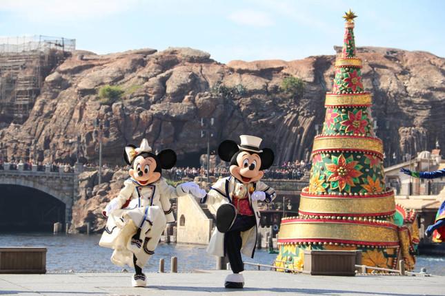 クリスマスの名曲に合わせて踊る(イッツ・クリスマスタイム!)