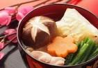 正月にお雑煮を食べますか 「毎年必ず」70代以上は9割も20代になると...