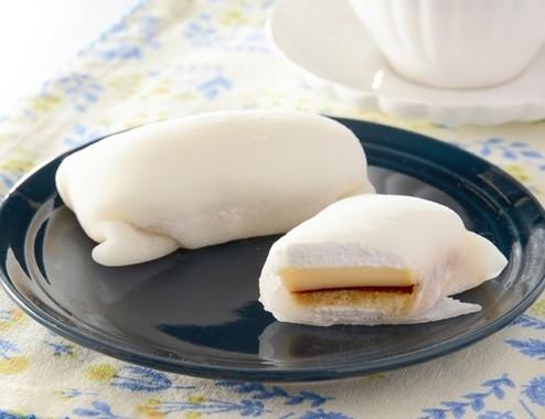 もちもち食感の「モチクルン」プリンケーキ味