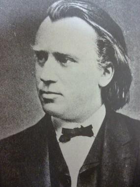 若きブラームスの肖像。晩年はかなり太っていてそのイメージが強い彼だが、この頃はまだスマートだった