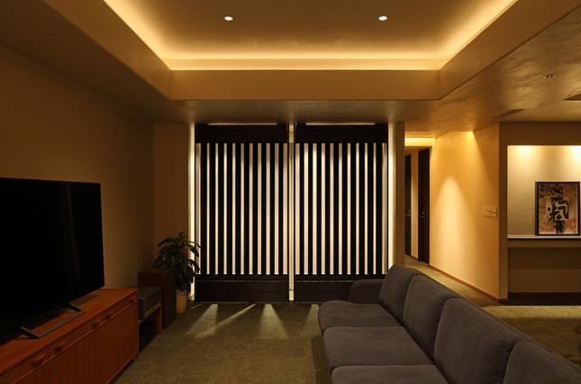 遠赤外線の放射を利用して冷房・暖房と同じ役割を果たす「光冷暖システム」