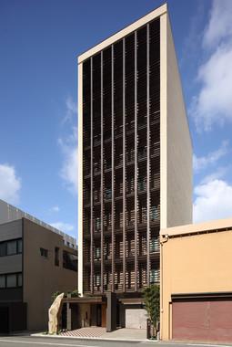 18年11月に開業した9階建てのホテル