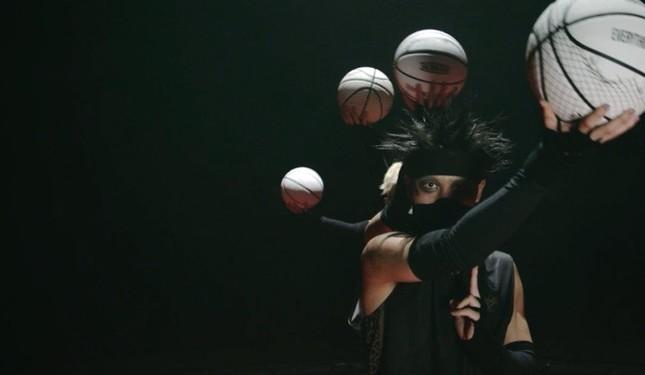 バスケットボールを使ったスゴ技披露