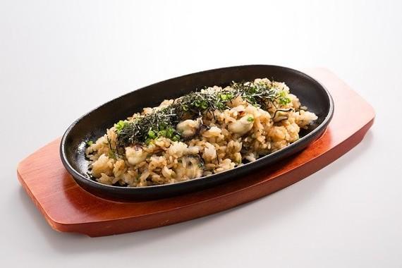 「ドでか牡蠣フェア第二弾」の新メニューの一つ「鉄板牡蠣まぶし」