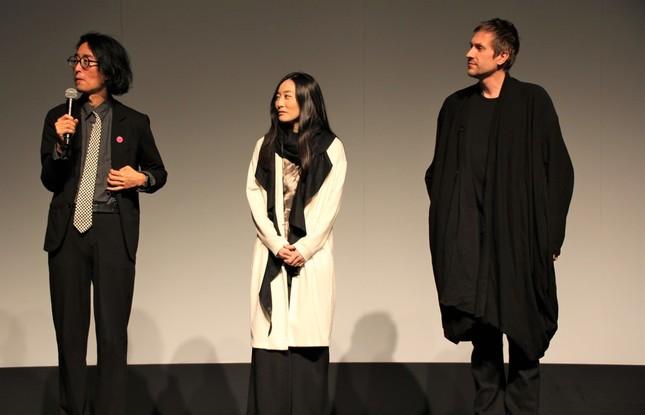 「Fragments(Airport version)」を手掛けた山本信一さん、木下真理子さん、Corey Fullerさん(左から)