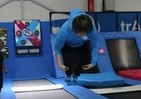 東京五輪の注目種目「トランポリン」体験記 初挑戦で「前方宙返り」目指し跳びまくったら...
