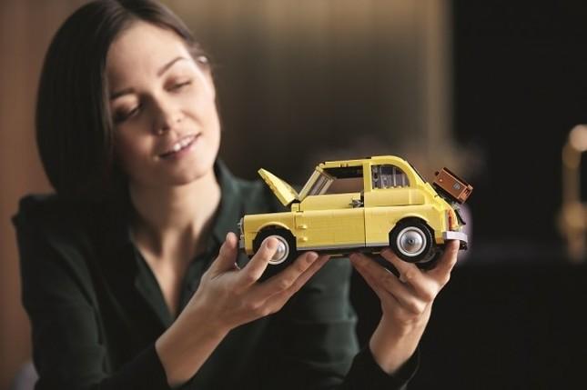 イタリアの名車「フィアット500F レジェンド」がレゴブロックに
