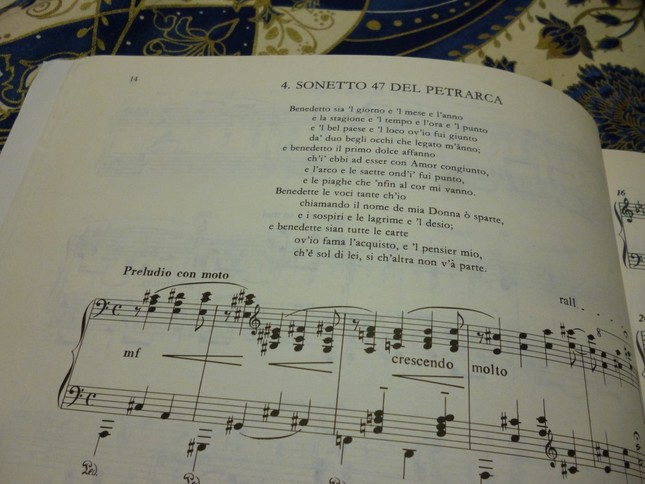 それぞれの楽譜の冒頭には、題材としたペトラルカの詩が掲げられている