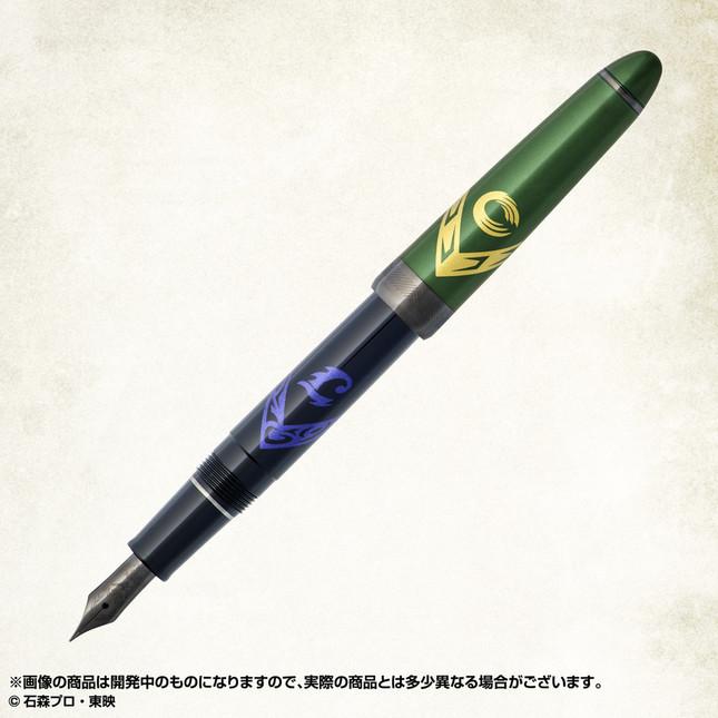 「仮面ライダーW」のデザインを万年筆に投影