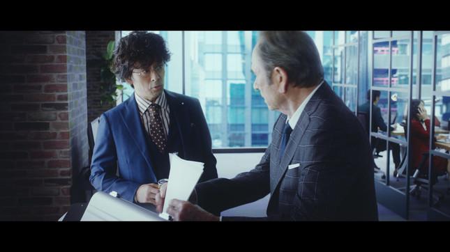 滝藤賢一さんも同僚役で出演