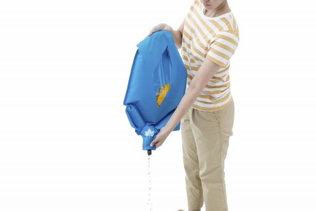 鞄に収納できる洗濯機「LOGOS シェイク洗濯袋」