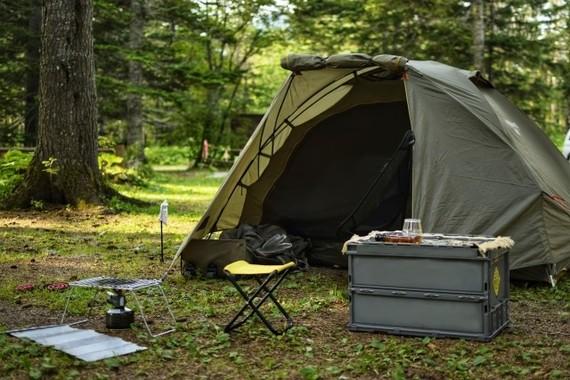 森の中の代わりに自宅にテントを張る人続出(画像はイメージ)